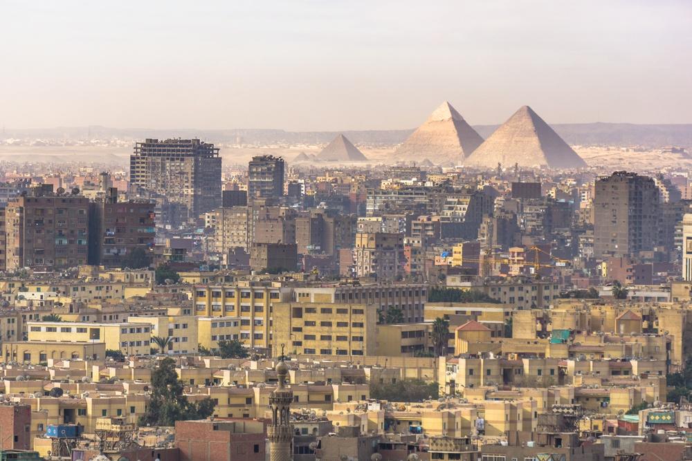 egypt-ancient-meets-modern-ss_666797164.jpg