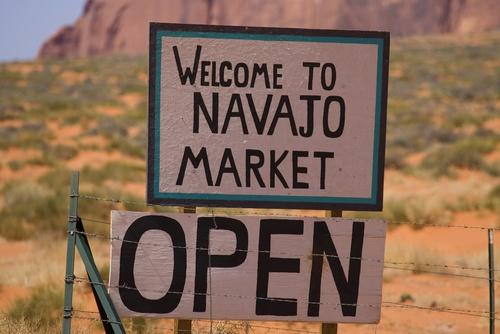 navajo_market.jpg