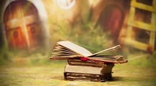 books.jpg?t=1478911012136&name=books.jpg&width=320